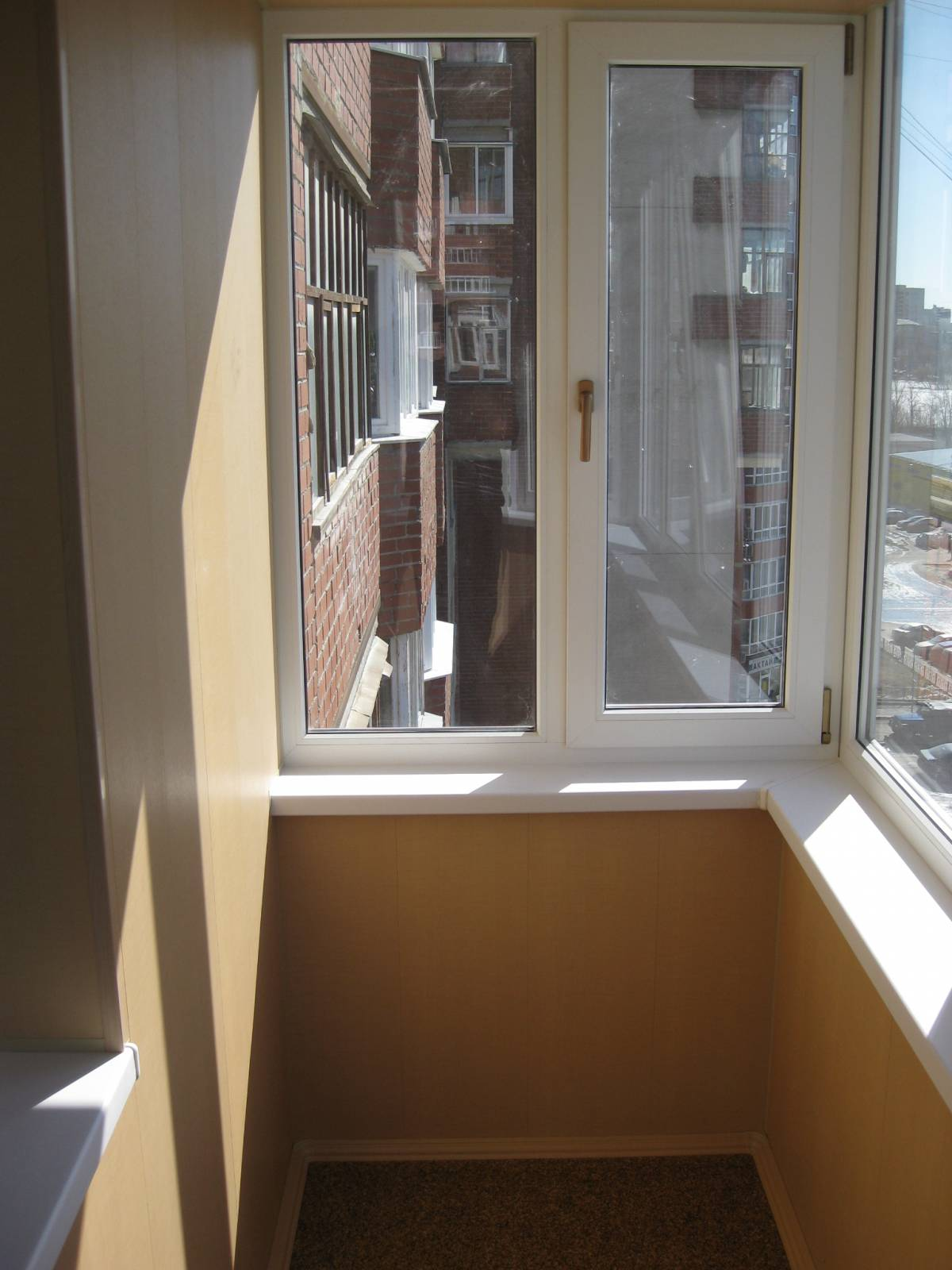 Остекление балконов и лоджий, купить в екатеринбурге.